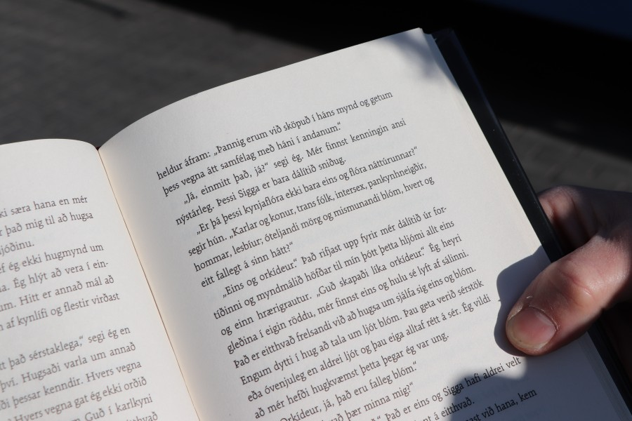 Texti í bókinni Að eilífu ástin